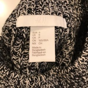 H&M Sweaters - H&M High Neck Balloon Sleeve Sweater (Size S)